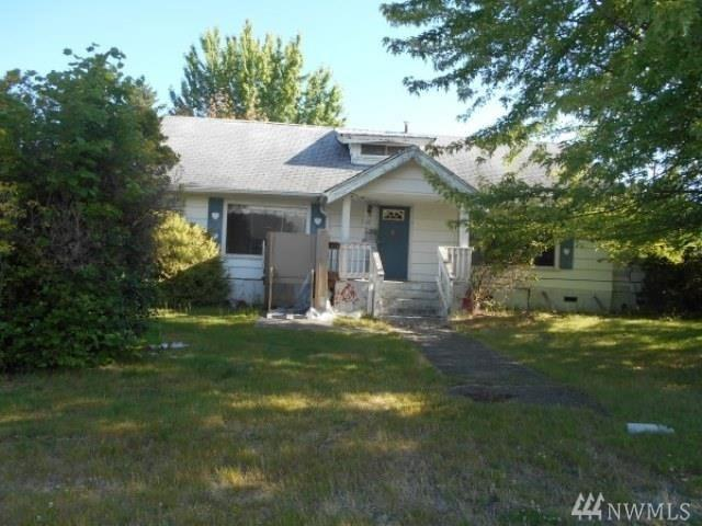 1116 W Young St, Elma, WA 98541 (#1416913) :: Canterwood Real Estate Team