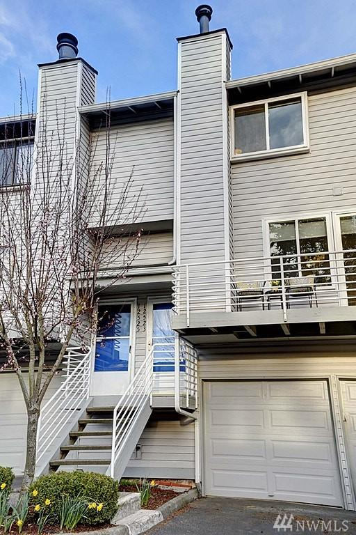 12523 SE 30th St #2523, Bellevue, WA 98005 (#1419414) :: KW North Seattle