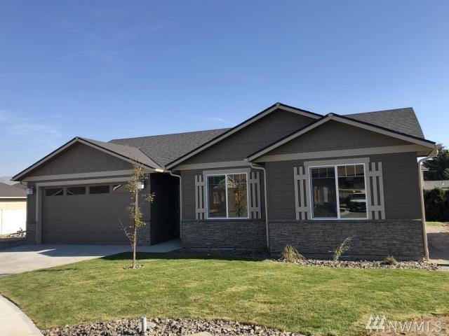 222 Pershing Circle, Wenatchee, WA 98801 (#1424510) :: The Robert Ott Group