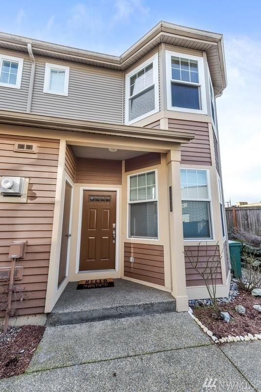 10543 Midvale Ave N D, Seattle, WA 98133 (#1425190) :: Real Estate Solutions Group