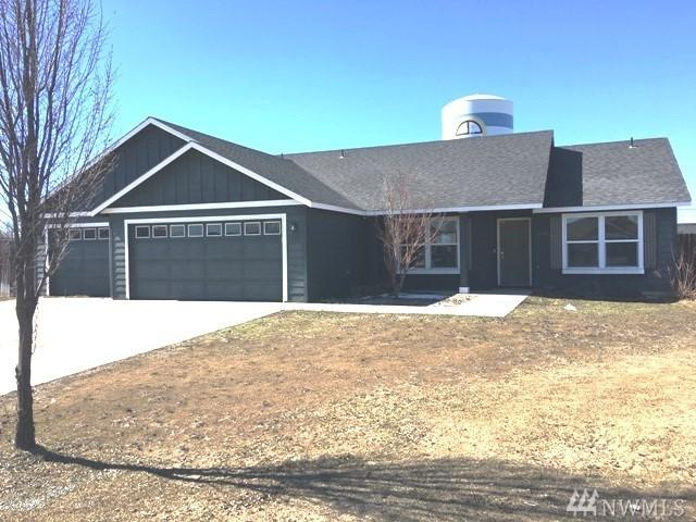 1320 E Hope Ct, Moses Lake, WA 98837 (#1428584) :: Hauer Home Team