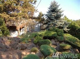 3221 21st Ave W, Seattle, WA 98199 (#1428677) :: Alchemy Real Estate