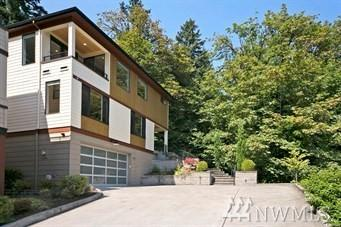1843 W Lake Sammamish Pkwy SE, Bellevue, WA 98008 (#1430141) :: Keller Williams Realty Greater Seattle