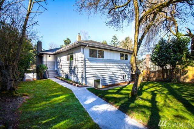 9425 36th Ave SW, Seattle, WA 98126 (#1430517) :: Northern Key Team