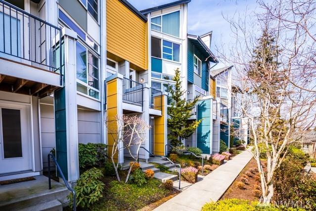 15130 NE 81st Wy #103, Redmond, WA 98052 (#1431443) :: Real Estate Solutions Group
