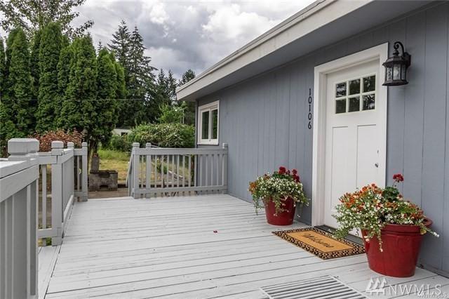 10106 18th Ave S, Tacoma, WA 98444 (#1437111) :: Keller Williams Everett