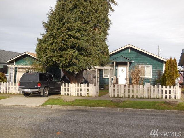 1523 W 5Th. St W, Port Angeles, WA 98363 (#1448667) :: The Kendra Todd Group at Keller Williams
