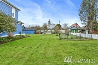 27218 103rd Dr NW B, Stanwood, WA 98292 (#1453628) :: Real Estate Solutions Group