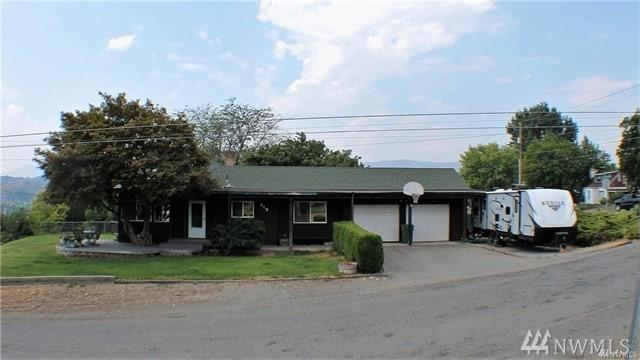 519 Locust St, Omak, WA 98841 (#1456828) :: Homes on the Sound