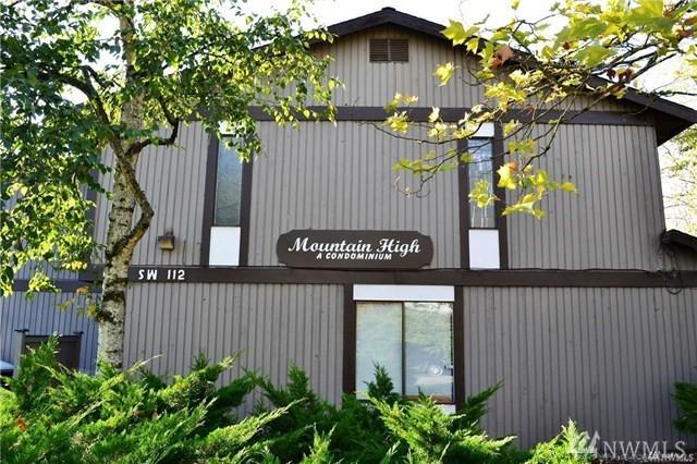 323 SW 112th St #101, Seattle, WA 98146 (#1459950) :: The Kendra Todd Group at Keller Williams