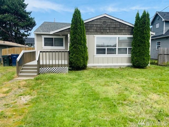 629 E 57th St, Tacoma, WA 98404 (#1459963) :: Real Estate Solutions Group