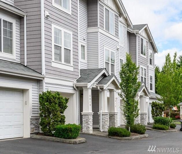 5916 S 232nd Ct 3-2, Kent, WA 98032 (#1460325) :: Costello Team