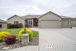 844 Briarwood Terr, East Wenatchee, WA 98802 (#1460537) :: The Kendra Todd Group at Keller Williams