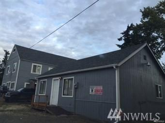 208 128th St S, Tacoma, WA 98444 (#1461329) :: Homes on the Sound
