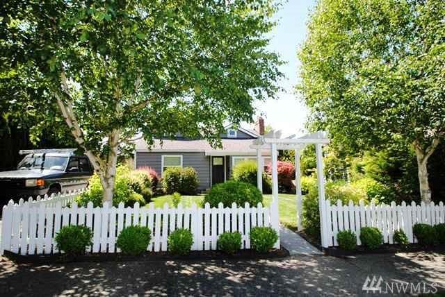 3511 29th Ave W, Seattle, WA 98199 (#1462543) :: Record Real Estate