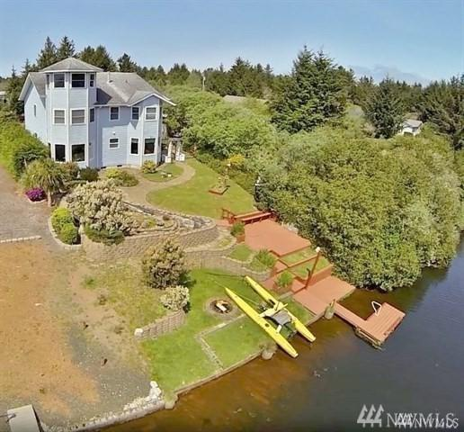 125 Tahola St SE, Ocean Shores, WA 98569 (#1463739) :: Keller Williams Realty Greater Seattle