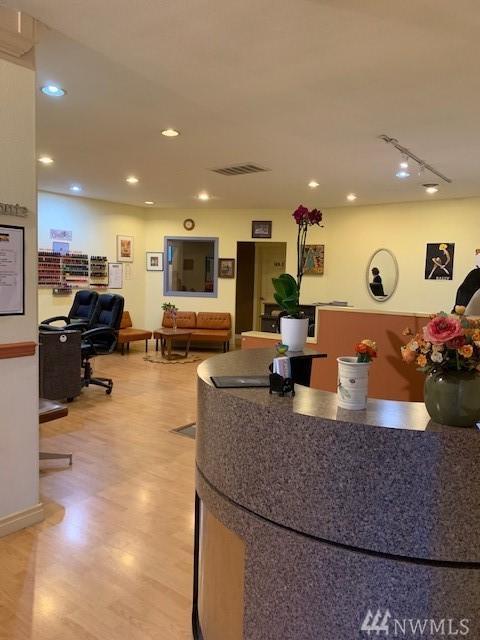 2822 Thordyke Ave W, Seattle, WA 98199 (#1464152) :: Platinum Real Estate Partners