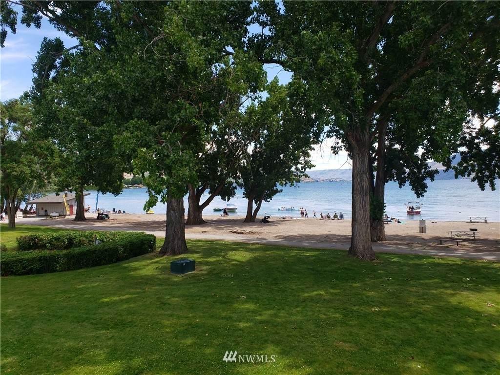 1 Beach 535-F - Photo 1
