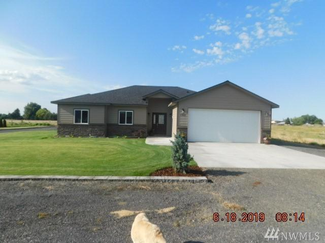 7903 Grove Rd NE, Moses Lake, WA 98837 (#1476248) :: Kwasi Homes