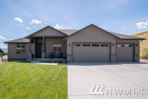 75 Sunny Meadows Lp, Wenatchee, WA 98801 (#1477035) :: Kimberly Gartland Group