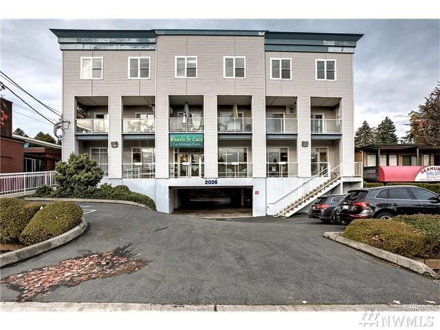 2026 SW 152 St, Burien, WA 98166 (#1477073) :: Platinum Real Estate Partners