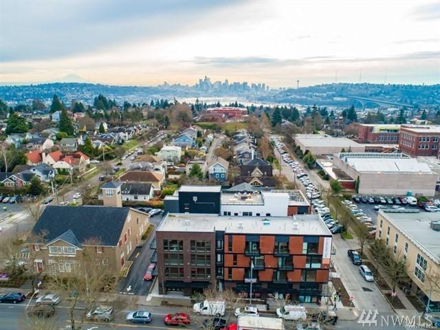 1601 N 45th St #204, Seattle, WA 98103 (#1477126) :: Platinum Real Estate Partners