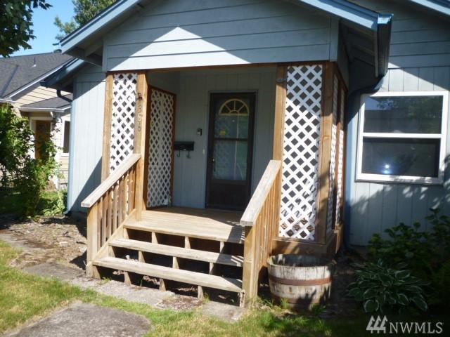 306 17th Ave, Longview, WA 98632 (#1478720) :: Record Real Estate