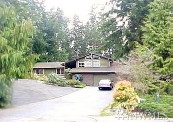13422 54th Ave W, Edmonds, WA 98026 (#1479805) :: Platinum Real Estate Partners
