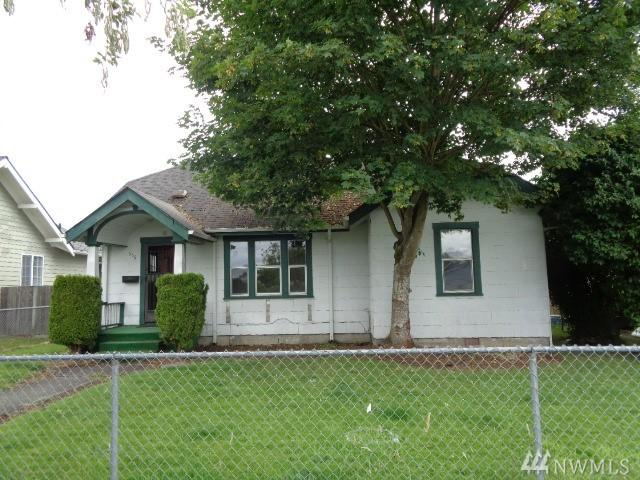 556 21st Ave, Longview, WA 98632 (#1481667) :: KW North Seattle