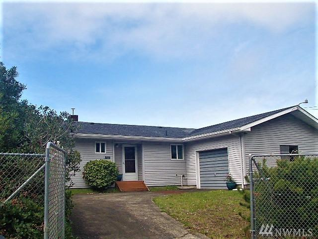 30809 J Place, Ocean Park, WA 98640 (#1483548) :: Ben Kinney Real Estate Team