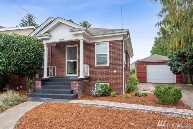 12038 20th Ave S, Seattle, WA 98168 (#1484779) :: Keller Williams Realty