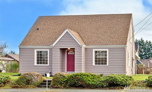 7517 Yakima Ave S, Tacoma, WA 98408 (#1484796) :: The Kendra Todd Group at Keller Williams