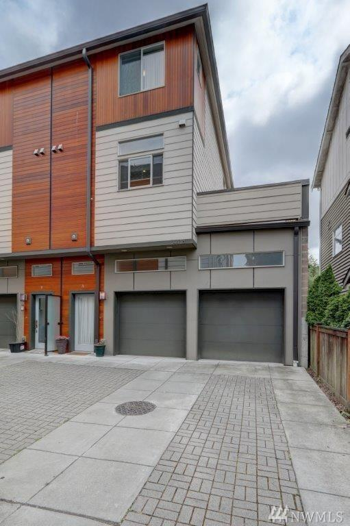 4418 Meridian Ave N A, Seattle, WA 98103 (#1487734) :: Real Estate Solutions Group