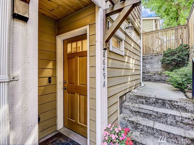 8649 Delridge Wy SW A, Seattle, WA 98106 (#1494553) :: The Kendra Todd Group at Keller Williams