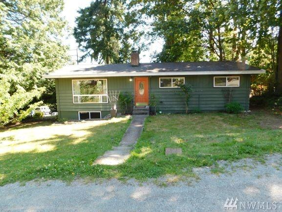 10354 Densmore Ave N, Seattle, WA 98133 (#1495879) :: The Kendra Todd Group at Keller Williams