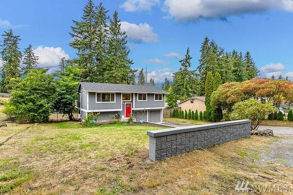 8309 Locust Ave E, Bonney Lake, WA 98391 (#1497662) :: Better Homes and Gardens Real Estate McKenzie Group