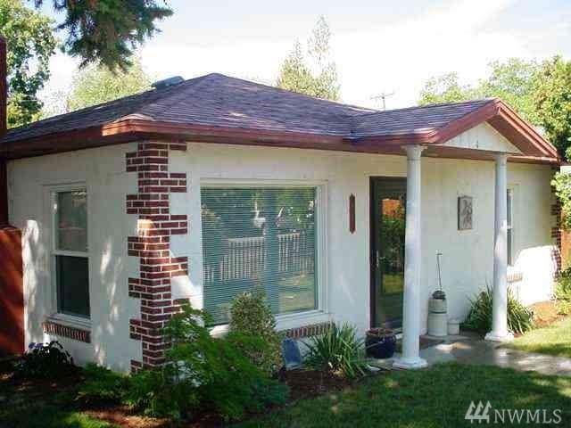 411 E Trow, Chelan, WA 98816 (#1498213) :: Real Estate Solutions Group