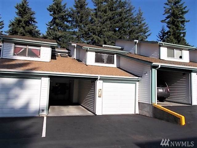 1825 SW 318th Place 32C, Federal Way, WA 98023 (#1499984) :: The Kendra Todd Group at Keller Williams
