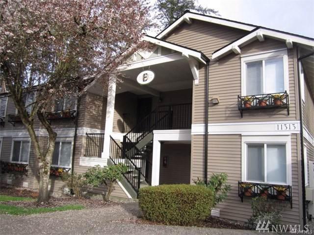 11311 NE 128th St E103, Kirkland, WA 98034 (#1500677) :: Real Estate Solutions Group