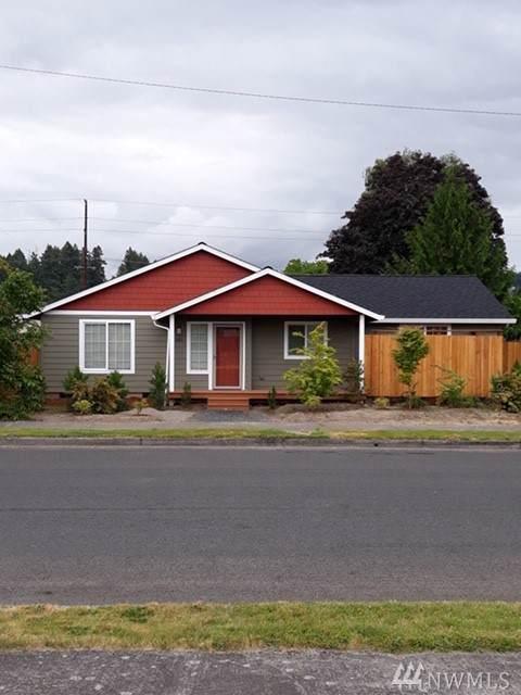 145 Sw B St, Castle Rock, WA 98611 (#1504888) :: Ben Kinney Real Estate Team