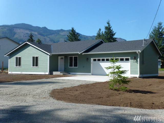 305 3rd St, Gold Bar, WA 98251 (#1505061) :: The Kendra Todd Group at Keller Williams