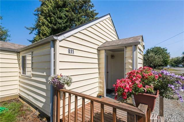 811 E Olympia Ave, Burlington, WA 98233 (#1505504) :: TRI STAR Team | RE/MAX NW