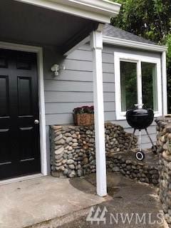 2615 Perry Ave NE, Bremerton, WA 98310 (#1508589) :: McAuley Homes
