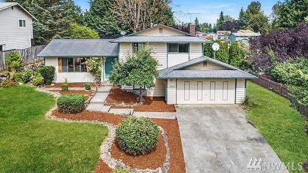 12052 SE 214th St, Kent, WA 98031 (#1509103) :: Keller Williams Realty Greater Seattle