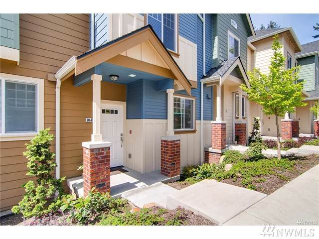 5957 185th Ct NE #104, Redmond, WA 98052 (#1509129) :: Icon Real Estate Group