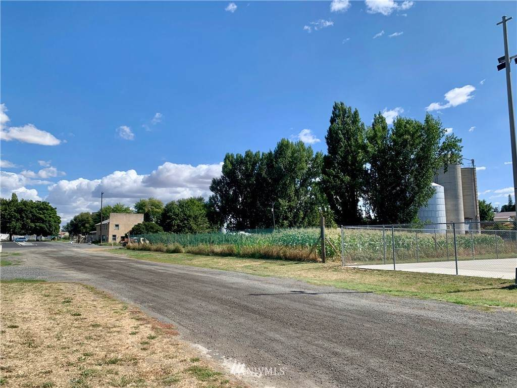 0 Railroad Avenue - Photo 1