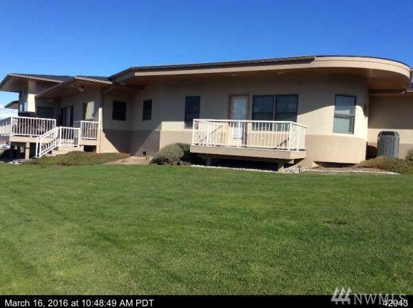 368 Lord Acres Rd, Chelan, WA 98816 (#1511542) :: Chris Cross Real Estate Group
