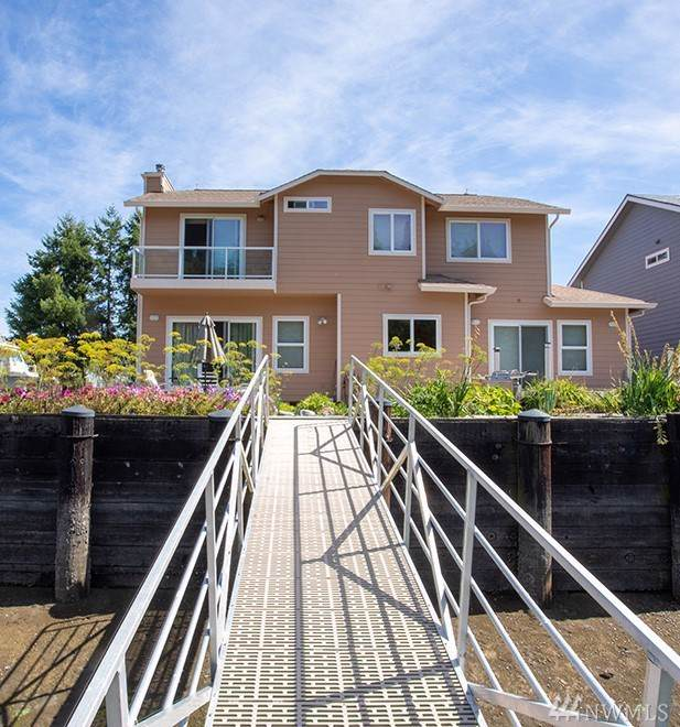 493 N Beach Dr, Port Ludlow, WA 98365 (#1512218) :: Better Homes and Gardens Real Estate McKenzie Group