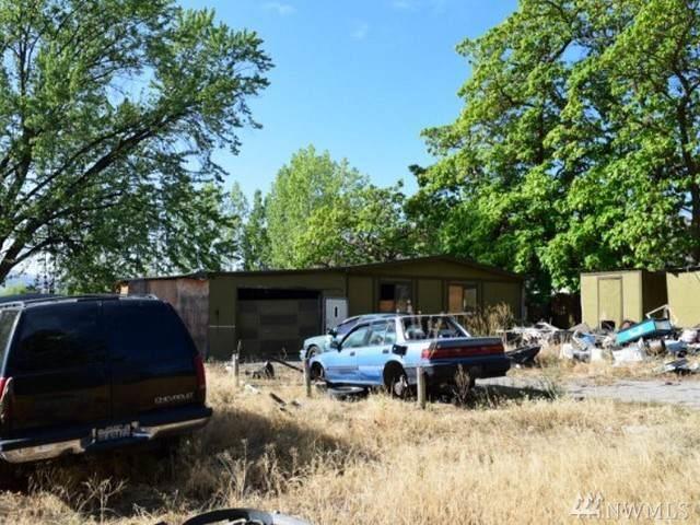 4 River Loop Rd, Tonasket, WA 98855 (#1514906) :: Ben Kinney Real Estate Team