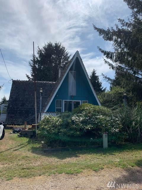 173 Polaris Blvd SW, Ocean Shores, WA 98569 (#1517286) :: The Kendra Todd Group at Keller Williams